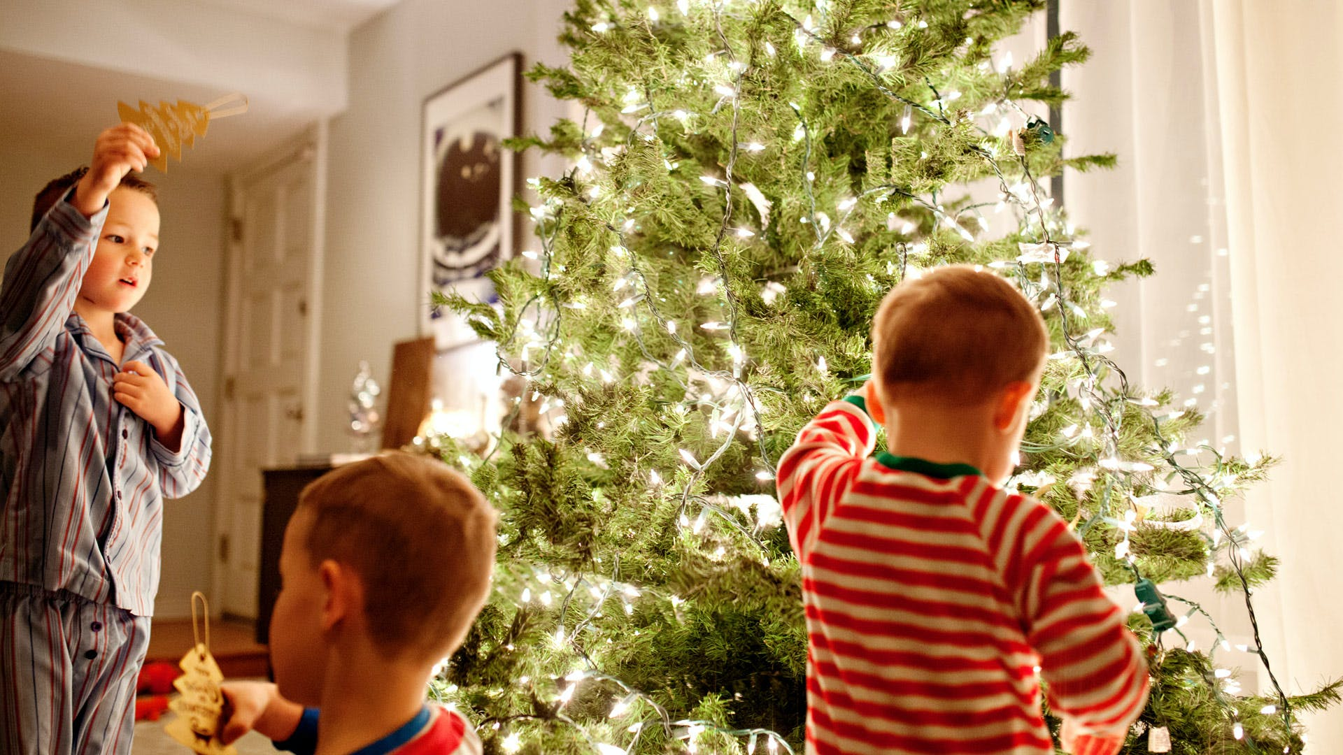 7 Simple Traditions that Teach Kids the Real Meaning of Christmas ...